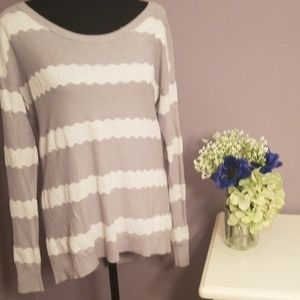 AMERICAN EAGLE OUTFITTERS. Gray/white lace sweater